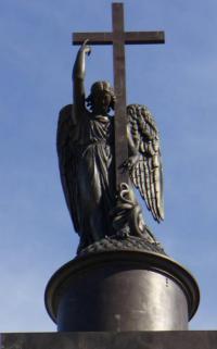 Кто автор Ангела на Александровской колонне?