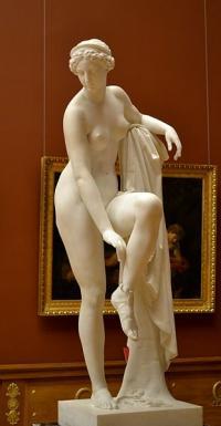 Кто автор статуи Венеры?