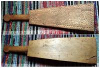 Этот предмет с трехгранной выямчатой резьбой (ромбический орнамент) XIX век. № У/172