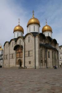 Как называется сей памятник на Соборной площади Московского кремля?