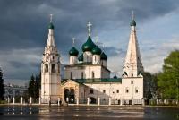 В каком городе в 17 веке сложился тип посадского храма?