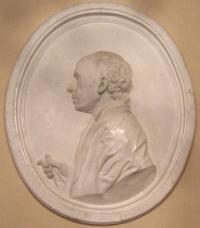 Какой архитектор на барельефе работы Ф. И. Шубина 1777 года?