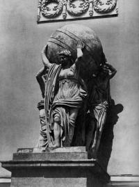Кто автор скульптуры «Морские нимфы»?