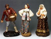 """В каких годах создается серия скульптур """"Народы России""""?"""