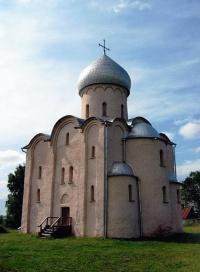 Как называется этот новгородский храм второй половины 12 века?