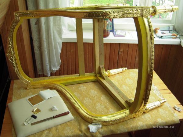 Каркас кресла в сусальном золоте на мардан лак