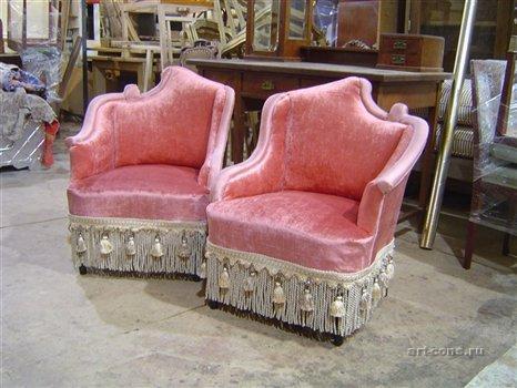 Реставрация мягкой мебели. Кресла гостиные, кутаные. Россия. Последняя четверть XIX века. Берёза. Перетяжка пружин. Морская трава. Конский волос. Обивка бархат, шелк. Колёсики латунь.