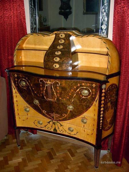 Бюро-кабинет новодельный, инкрустированное шпоном. Материал: клён, каповый орех, груша, цветной шпон карелки, боливийская роза.