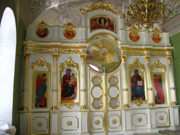 Иконостас. Левый придел благовещенского собора (Казанский кремль).  Производство позолотных работ.
