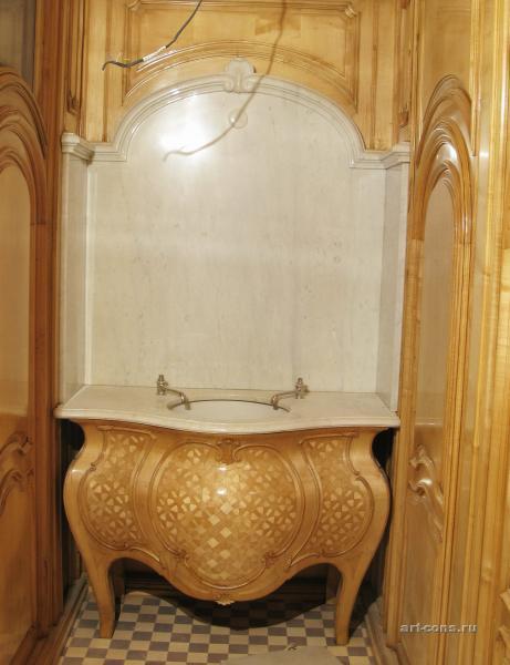 Умывальник в туалетной комнате книгохранилища и библиотеки Мельцера. После реставрации
