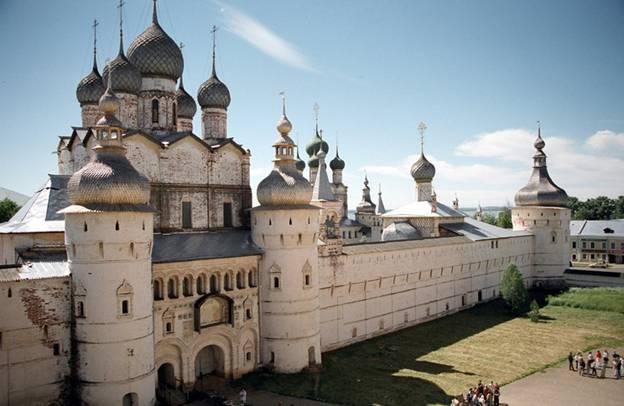 Для чего был построен в 17 веке Кремль Ростова Великого?