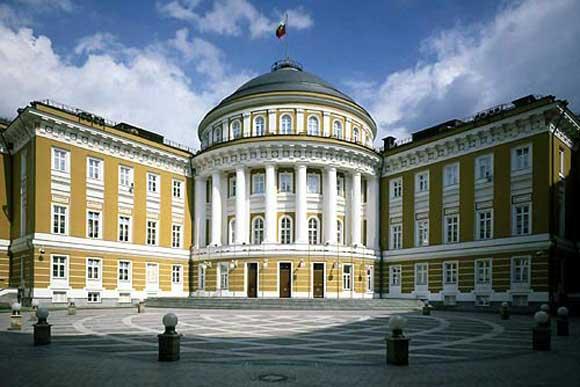 Кто архитектор Сенатского дворца?