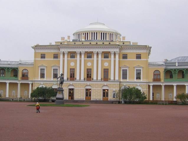 Кто архитектор Павловского дворца?
