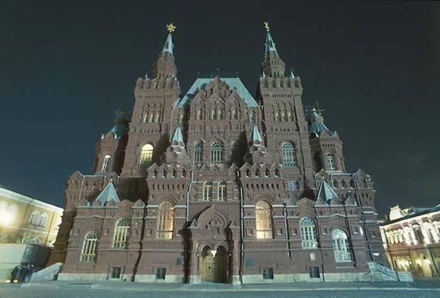 Кто архитектор Исторического музея в Москве?